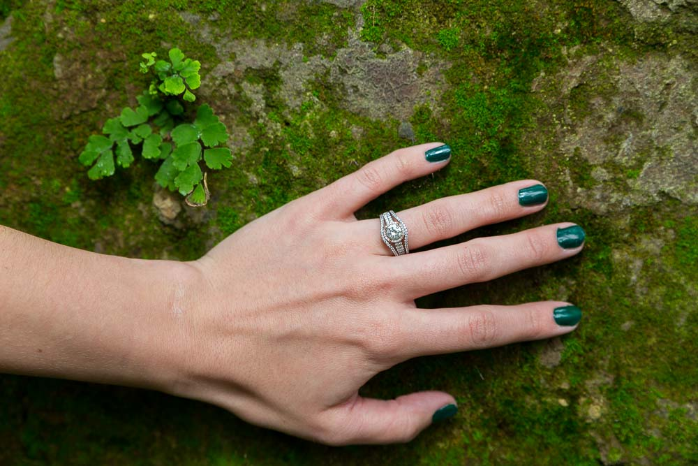 Engagement ring picture in green