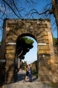 Photo shoot entrance Giardio degli Aranci in Rome