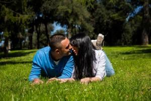 Romantic photo shoot on green grass