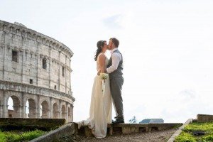 Bride and groom photo session at the Colosseum