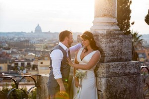 Romantic picture of bride and groom at Pincio park