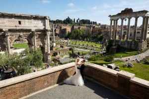 Photo session at the Roman Forum. Newlyweds photographed from above.