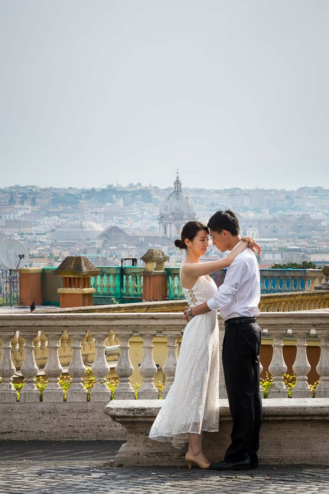 In love in Rome. Couple posing for a honeymoon photography session