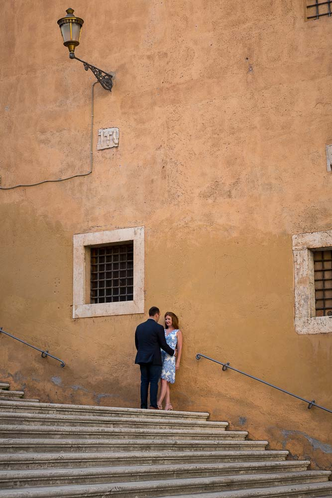 Love and romance on the steps of the roman Capitoline hill