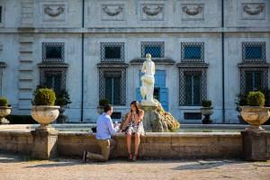Man proposing marriage in Villa Borghese