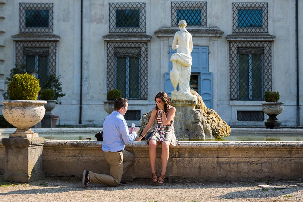 Knee down wedding proposal in Rome