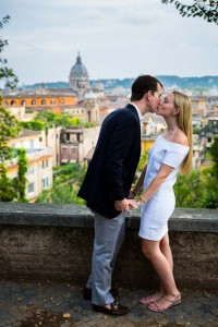 Couple photographed in front of the ancient roman skyline