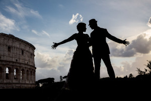 Silhouette picture of a couple during their engagement session in Rome