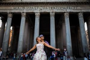 Engaged couple at the Roman Pantheon