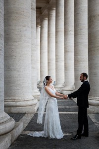 One step closer photo session under the Vatican columns