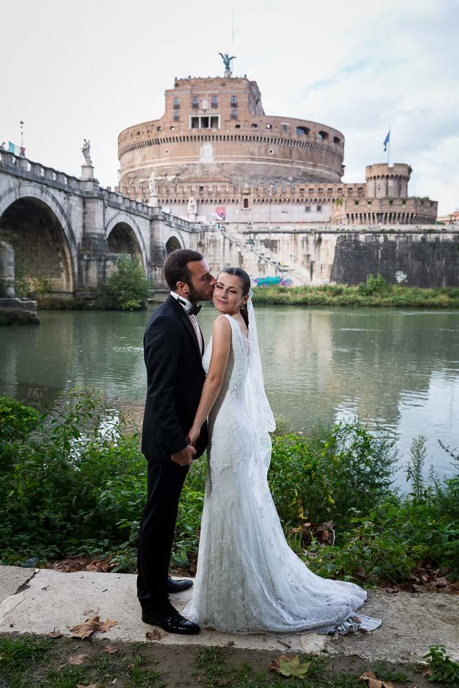 Picture session under the Castel Sant'Angelo bridge