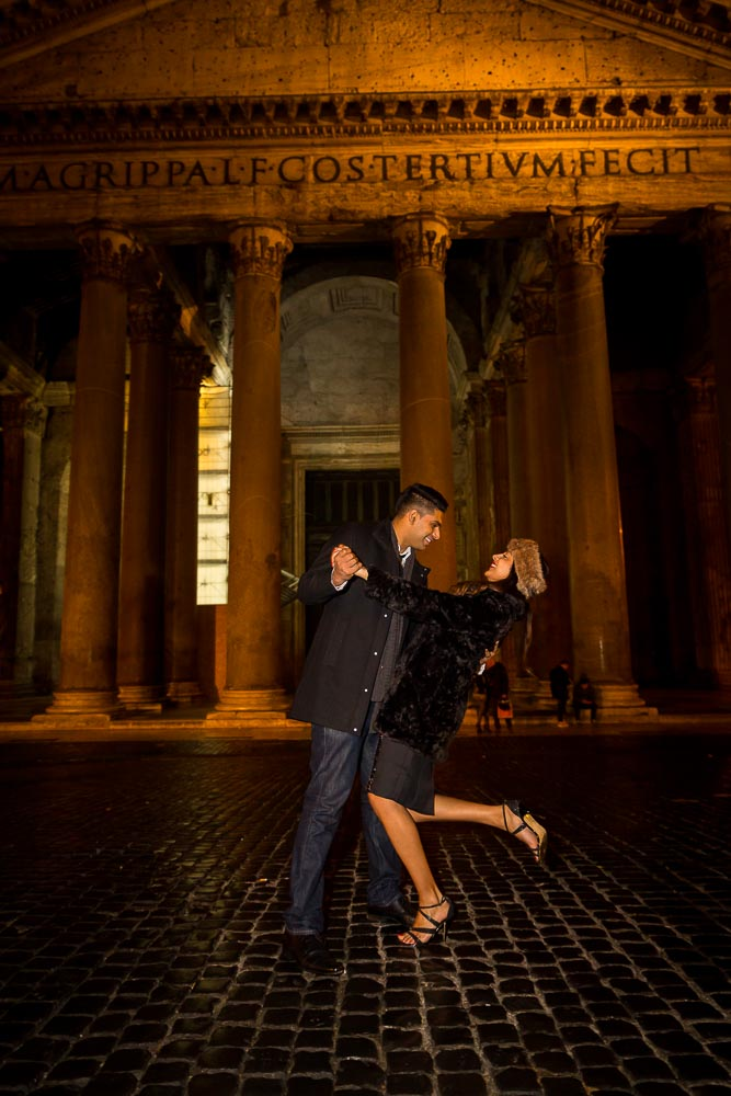 Romantic e-session at the Pantheon