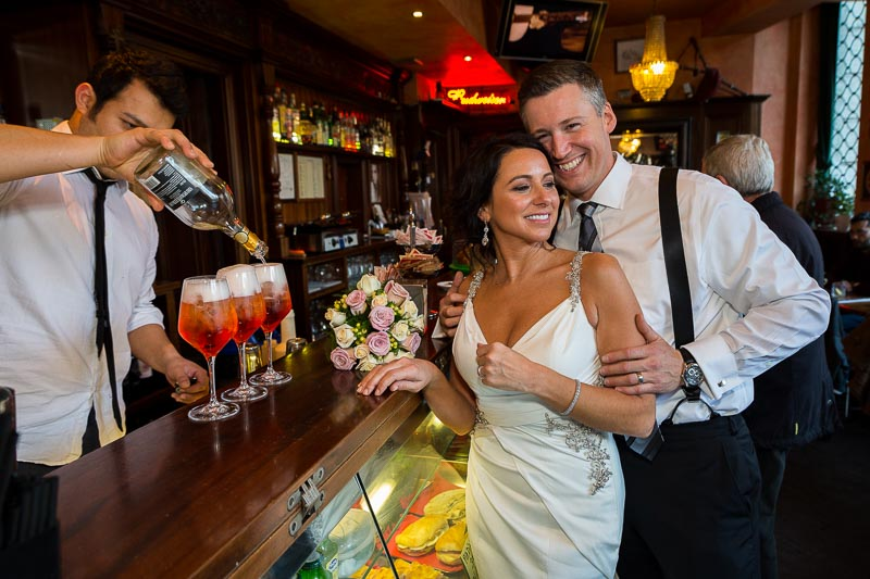 Marriage photo session in a bar