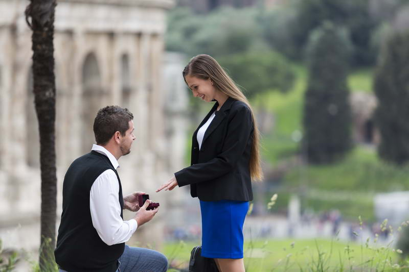Asking for marriage in the ancient roman city