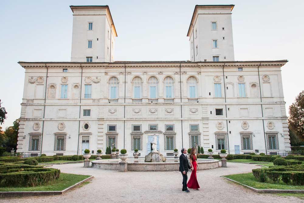 Couple in the Villa Borghese gardens walking