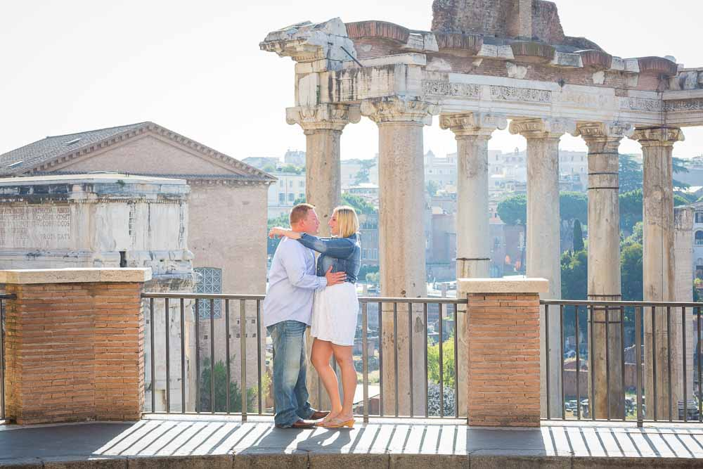 Together in Rome. Engagement photography at the Roman Forum