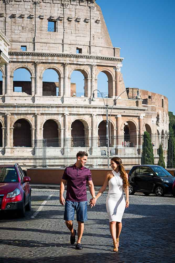 Alleyway walk with the Colosseum as background during a photography session