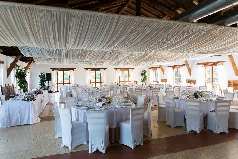 Reception hall before the dinner. Wedding at Borgo di Tragliata