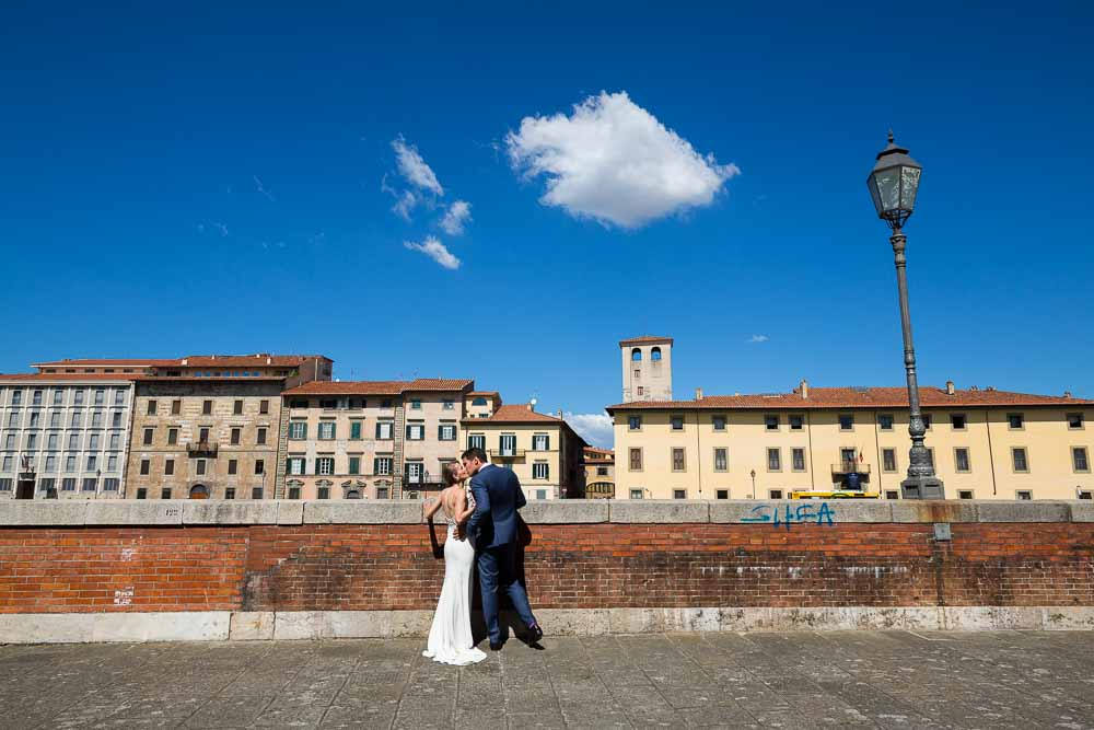 Just married couple during their photography session in Pisa