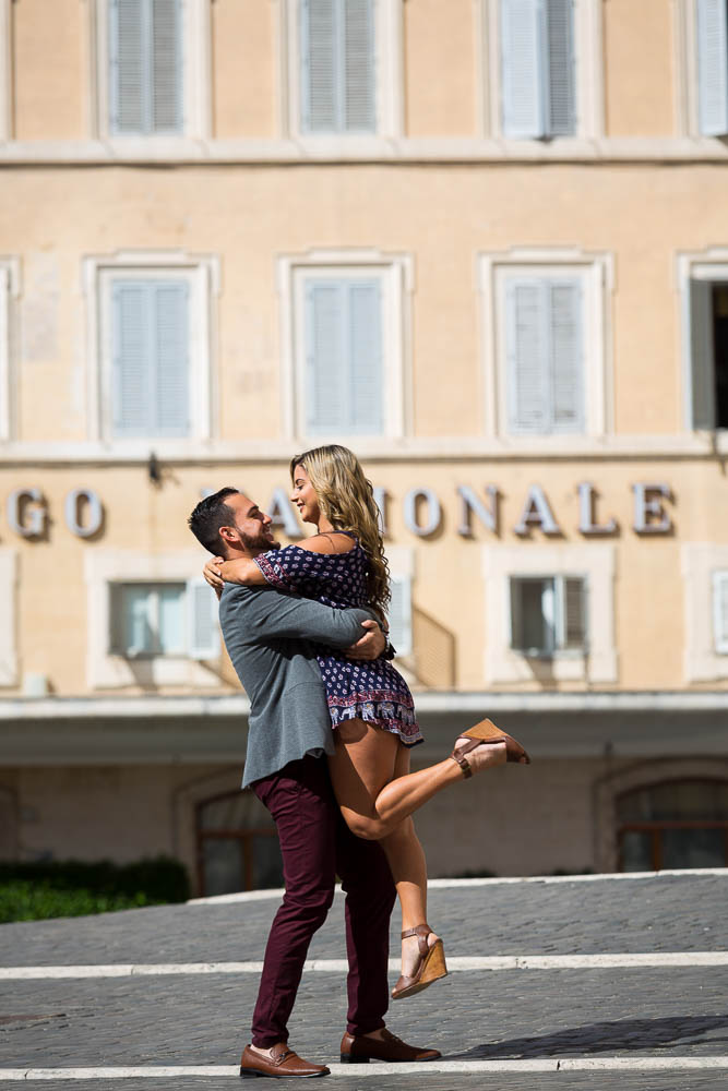 In love in Rome photo session. Pick me up and lift me in the air!