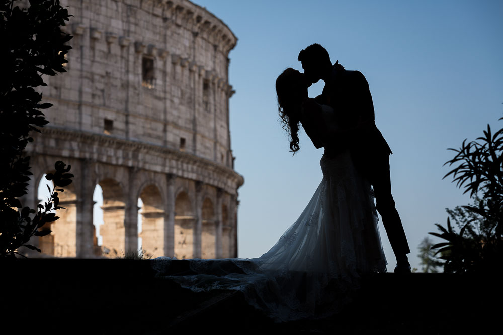 Silhouette image of a couple in love in Rome.