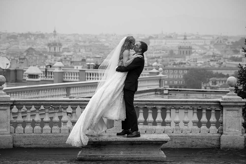 Just married in Rome photo session