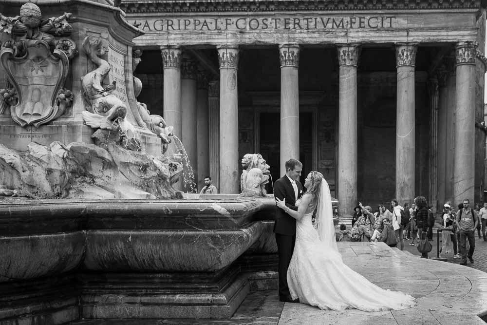 Matrimonial pictures at the Roman Pantheon