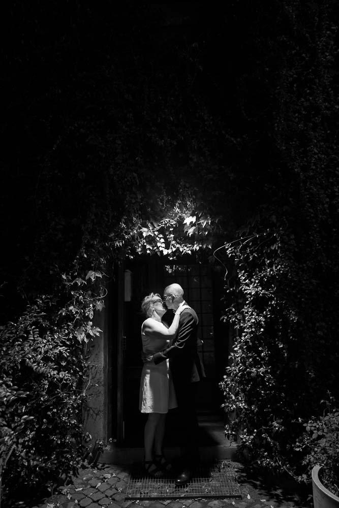 B&w honeymoon photo shoot at night