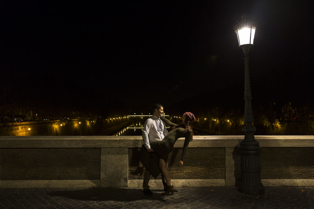 Bridge engagement picture over the Tiber river