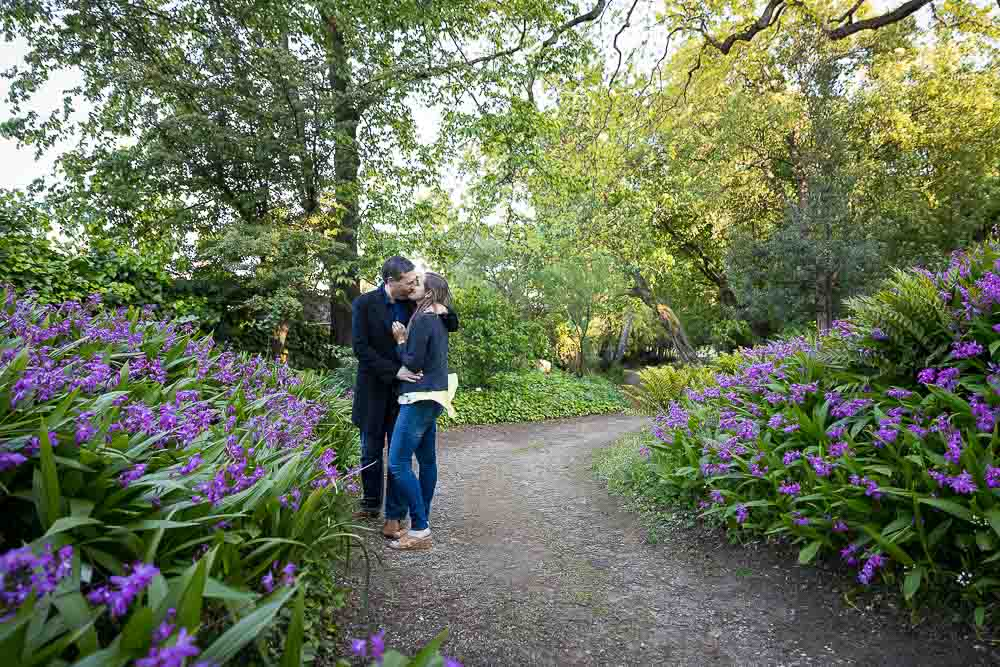 Romantic couple photo session in the botanical garden