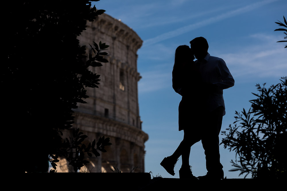 Silhouette together in Rome