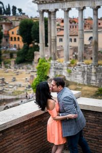 Kissing before the ancient ruins