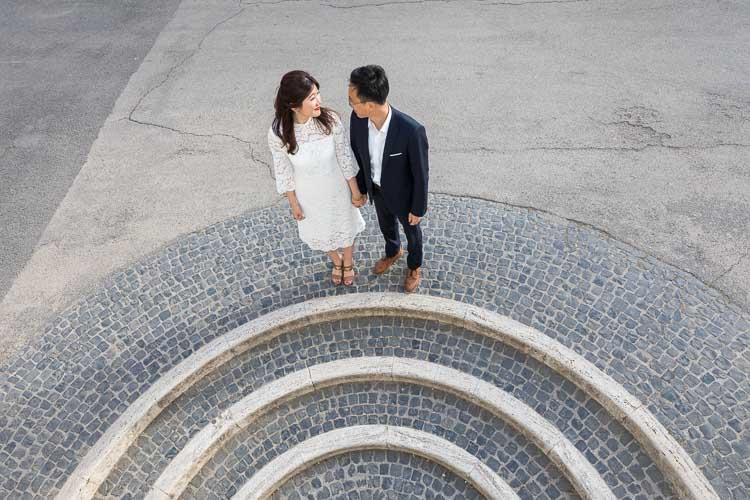 Geometrical couple photo shoot effect