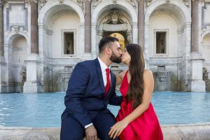 Kissing before the Fontanone water fountain found on the Janiculum hill