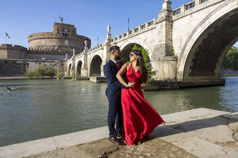 Photo shooting under castel sant'Angelo bridge
