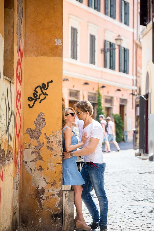 Roman alleyways couple photos in Rome Italy