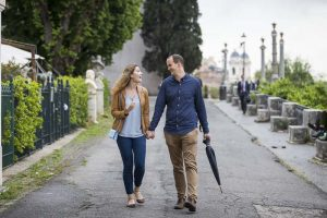 Walking together in the streets of the Pincian hill