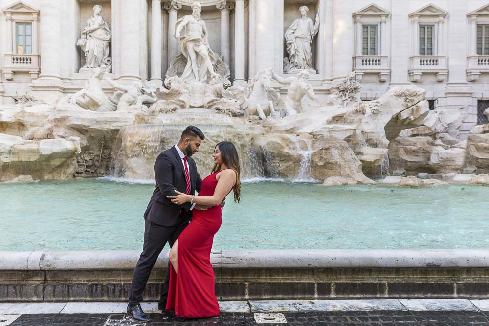 A romantic dip in front of the Trevi fountain