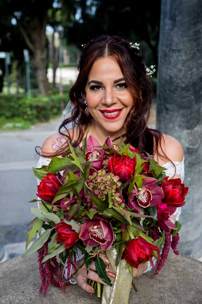 Bridal portrait holding a beautiful wedding bouquet