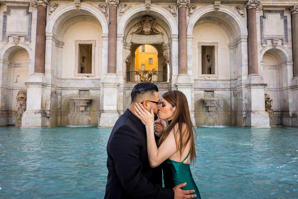 Close up version image of a couple kissing during a photo shoot session in Rome