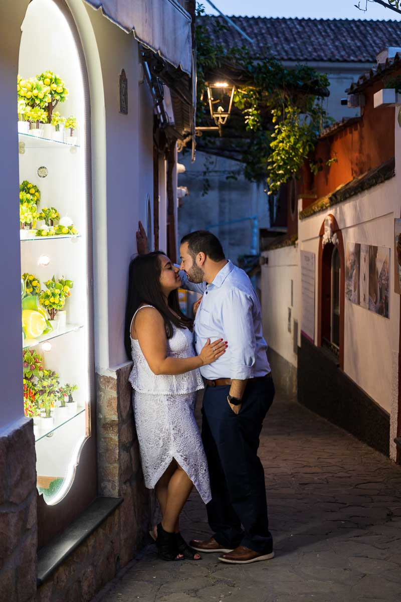 Romance in the alleyways
