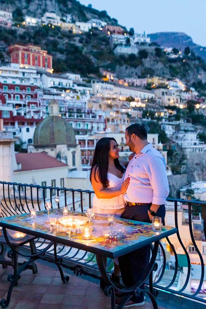 Couple photo session in Positano during the blue hour