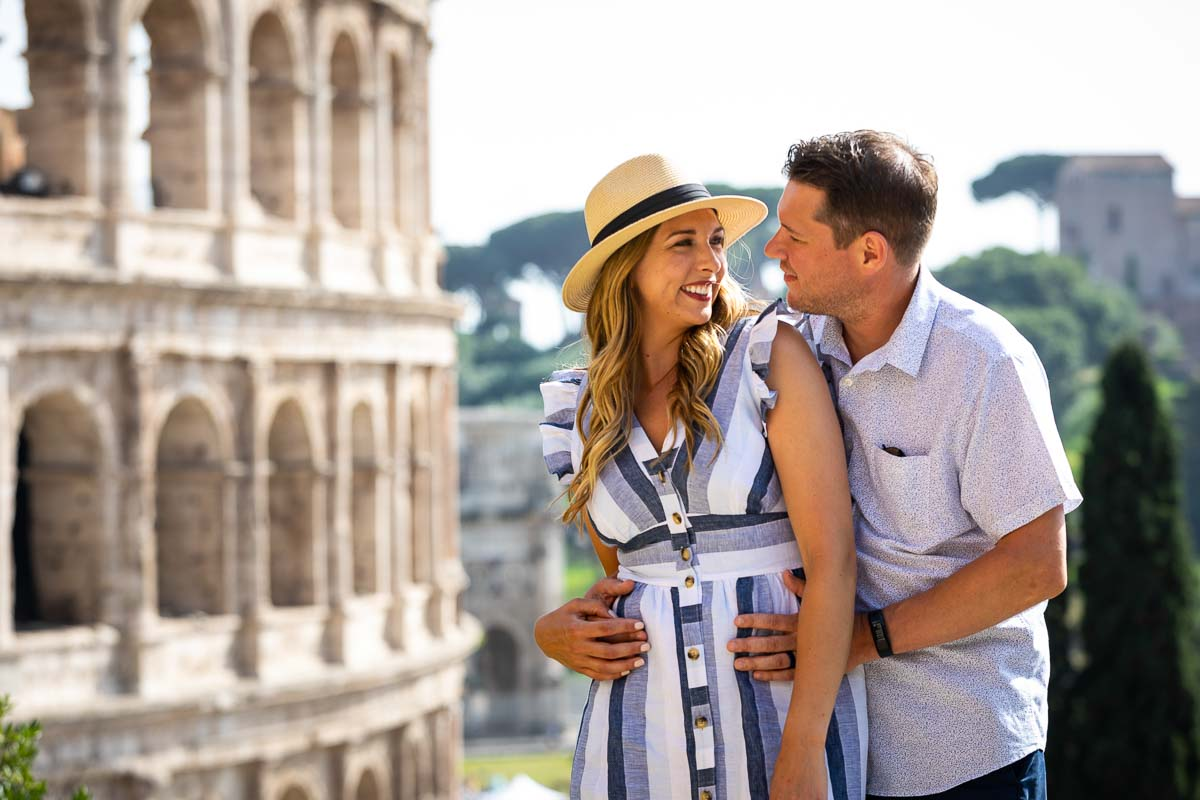 Honeymoon photography at the roman Colosseum