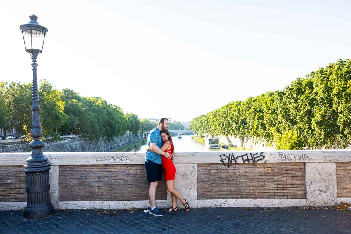 Just engaged photography on Rome's Ponte Sisto