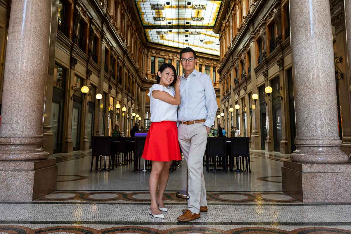 Couple photography in an historical gallery environment