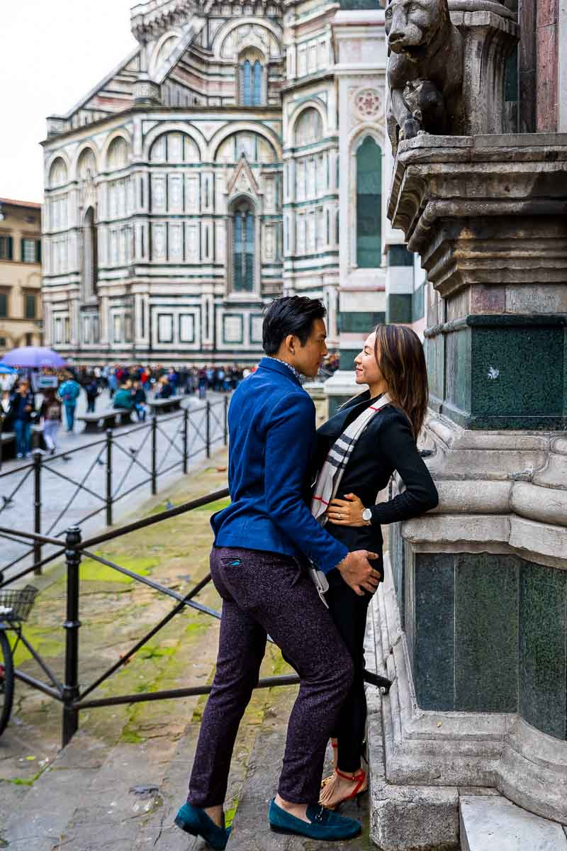 Sideway pose in Piazza del Duomo in the city of Florence