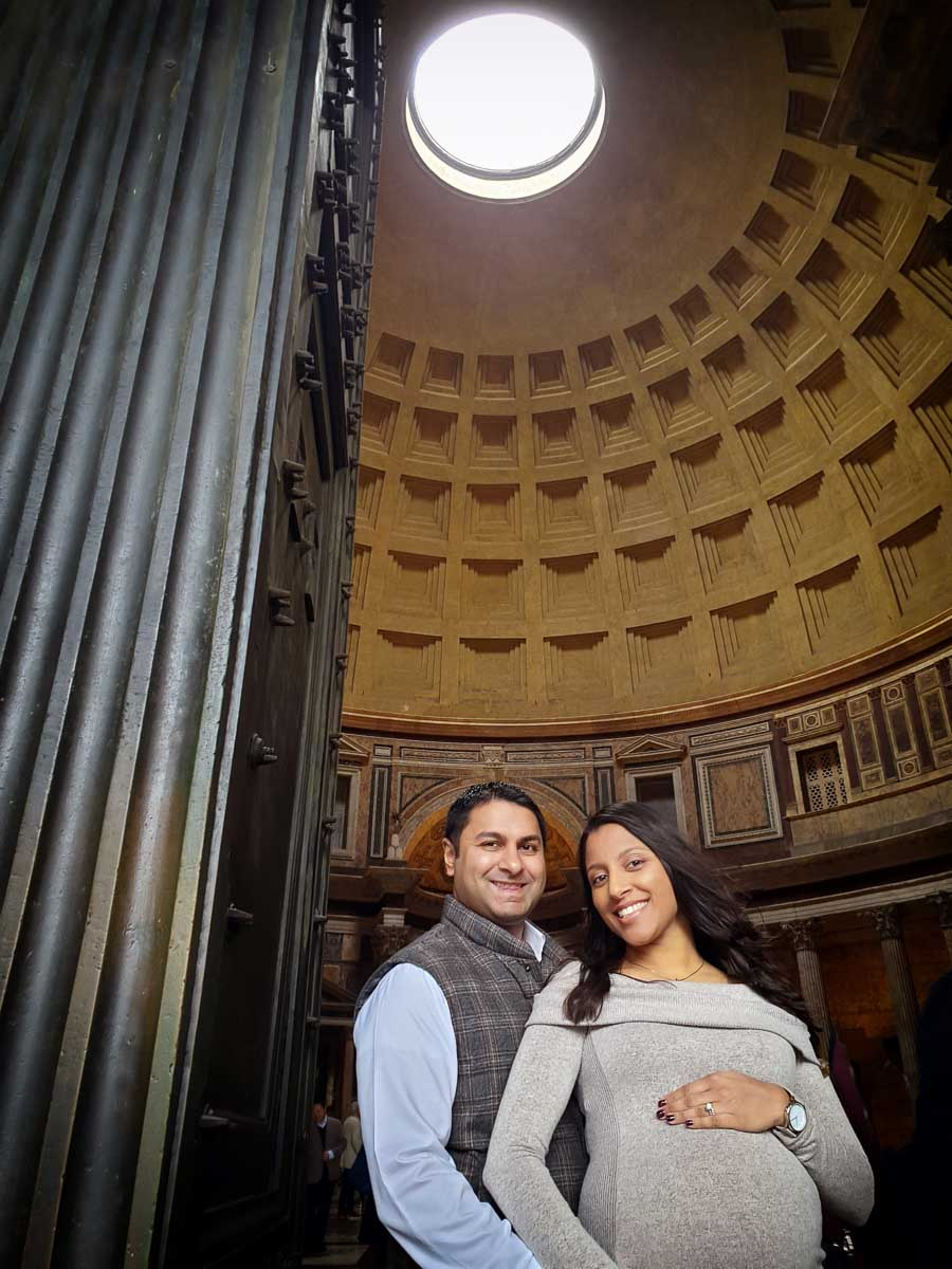Couple maternity shoot photographed by Rome's Pantheon